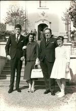 Chiesa di Fornio con Liviana Meschi, il fratello e i genitori